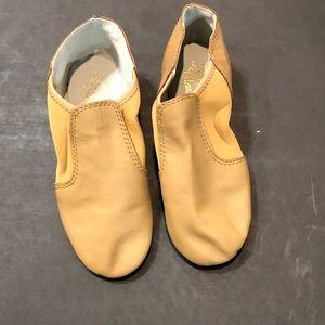 NWOT-Dance Class Leather Shoes sz6